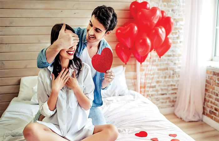 Amaze your Better Half with Same Day Valentines Day Gifts Delivery in Delhi