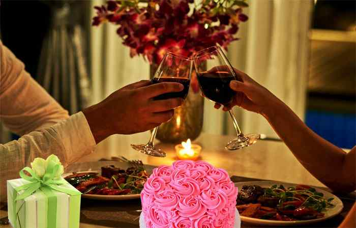 Perfect Marriage Anniversary Gifts for Wife