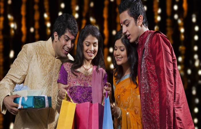 What Are The Best Gifts For Friends On Diwali