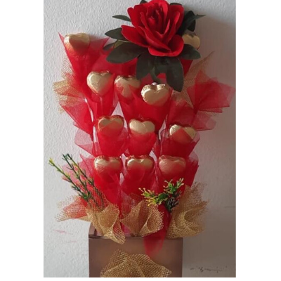 12 Pcs Heart Shape Chocolate Bouquet with flower