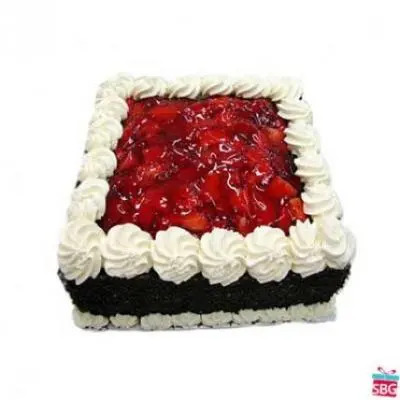 Eggless Strawberry Square Cake