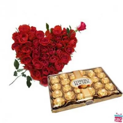 Roses Heart With 24 Pcs Ferrero Rocher