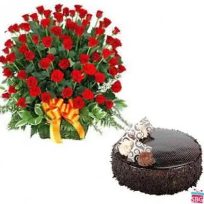 100 Roses Basket With Chocolate Cake