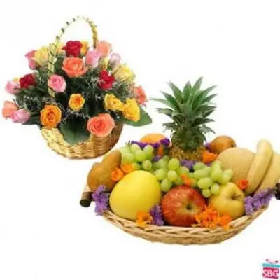 Fresh Fruits Basket With Mixed Roses