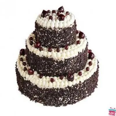 Eggless 3 Tier Black Forest Cake