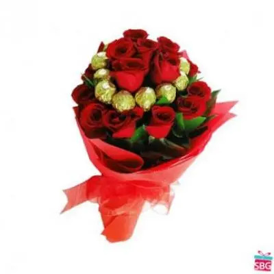 Rocher With Roses Bouquet