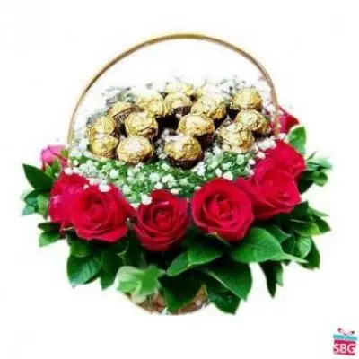 Rocher With Roses Basket