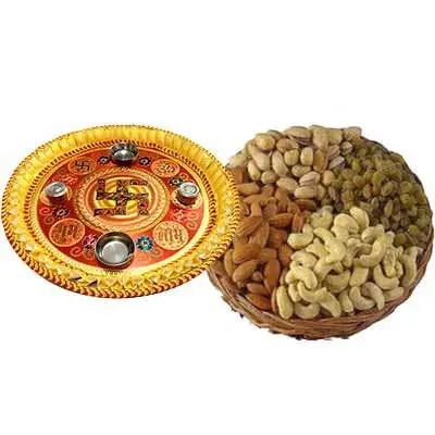 Thali with Dry Fruits Hamper