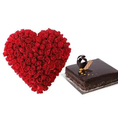 Roses Heart With Chocolate Truffle Square Cake