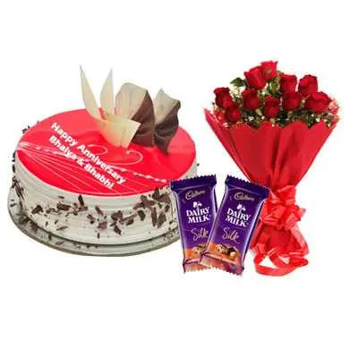 Eggless Strawberry Cake, Bouquet & Silk