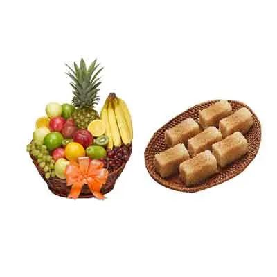 Milk Cake with Fresh Fruits