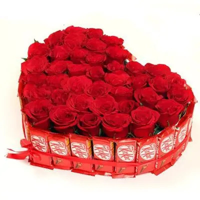 Kitkat & Rose Heart Shape Arrangement