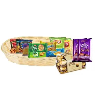 Namkeen, Bicsuit & Chip Hamper with Chocolates