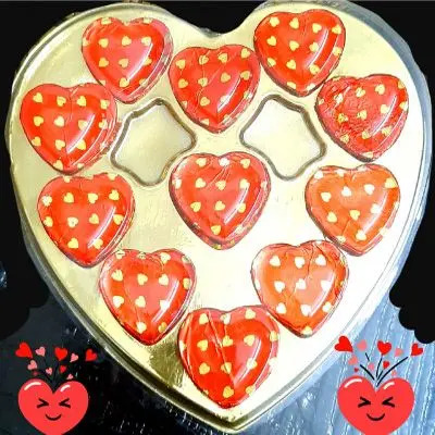 11 Pcs Heart Shape Chocolate Gift
