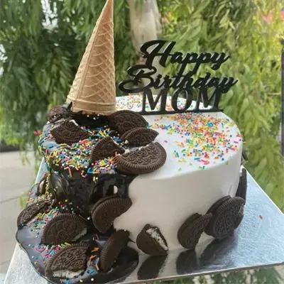 Oreo Cone Cake