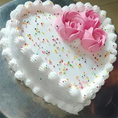 Eggless Vanilla Heart Cake