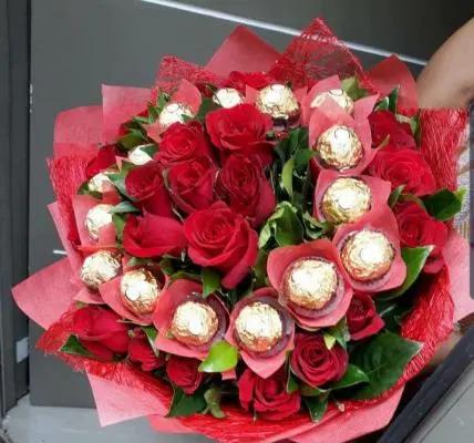 Rocher Rose Bouquet